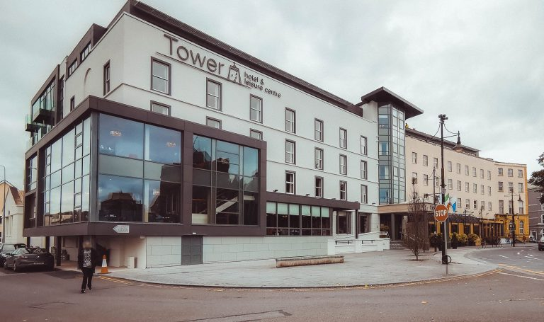 Place Tower Hotel Exterior 01