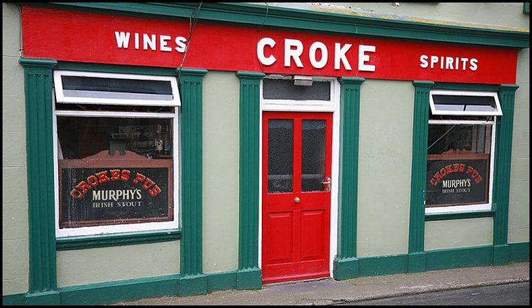 Place Crokes Pub Tramore Exterior