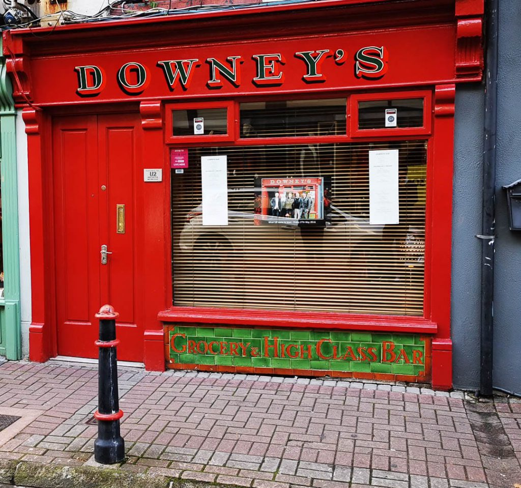 Place Downeys Bar Exterior 02