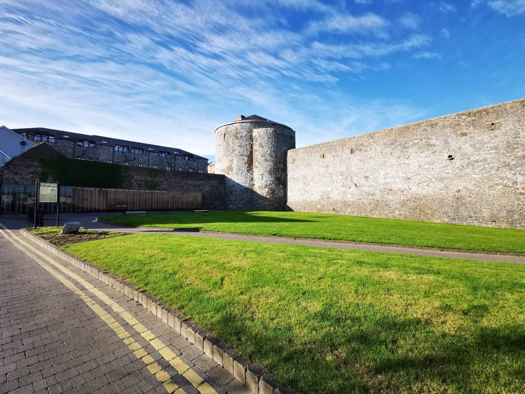 Place Dungarvan Castle Exterior 02