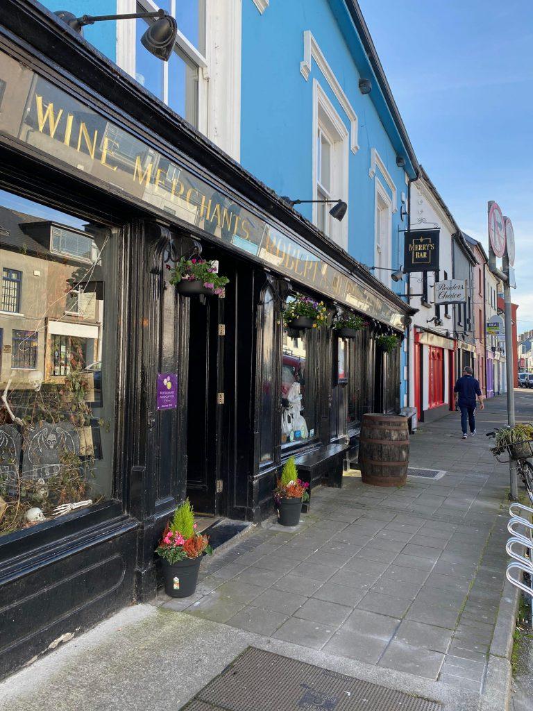 Place Merrys Bar Exterior