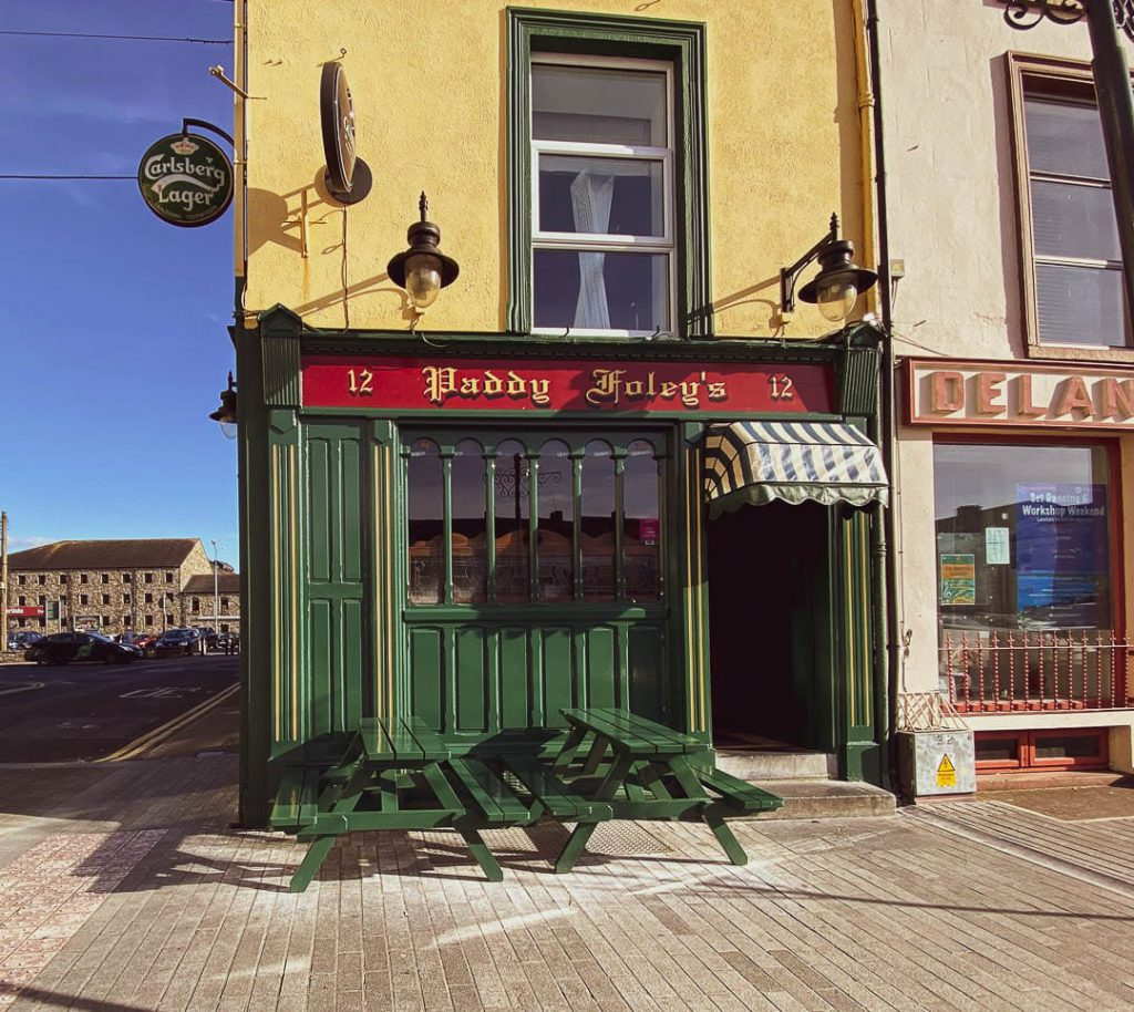 Place Paddy Foleys Bar Exterior